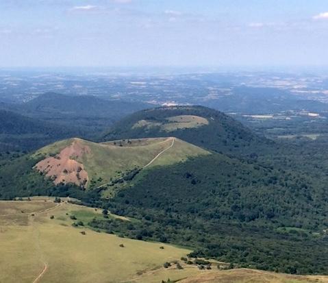 photo depuis le sommet du puy de dome chaine des puys